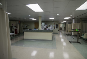 Spacious recovery room with central monitoring station